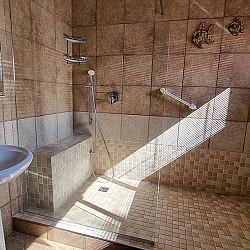 02 Room 4 Bathroom