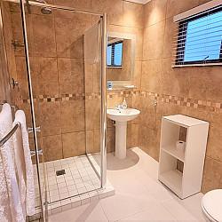 04 Room 5 Bathroom